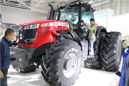 全国优势特色产业集群建设现场推进会在云南昆明召开