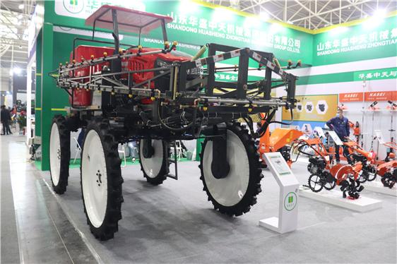 河北:充分发挥农业机械优势 全力抗疫保春耕
