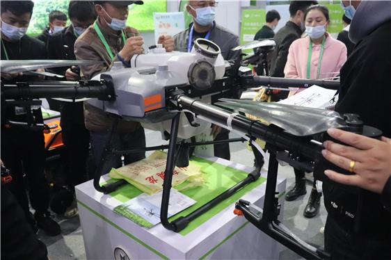 农机干部学开无人机——西安市农机总站派员参加无人机培训
