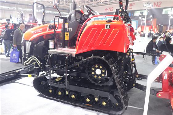湖南省出台2021-2023年龙8补贴实施方案,提高履带式拖拉机、水稻插秧机等6个品目补贴比例