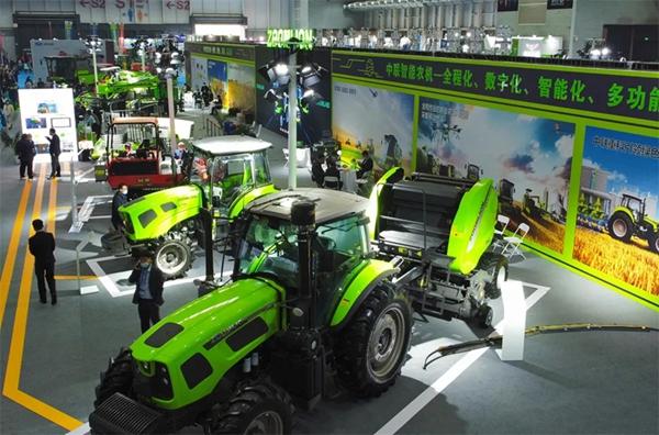 匠心突破 智领前行——中联农机惊艳亮相2021国际农机展